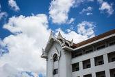 Tailândia arquitetura e céu azul — Fotografia Stock
