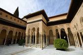 Innenhof der löwen in der alhambra — Stockfoto
