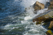 Water hitting stones — Stock Photo