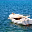 Boat in water. Old wooden boat — Foto de Stock