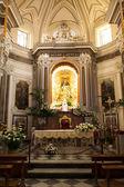 Katolska kyrkan interiör i italien. — Stockfoto