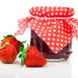 Strawberry jam and fresh berries isolated on white — Stock Photo