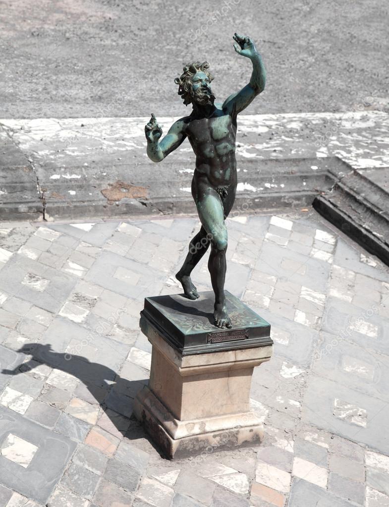 Tanzende faun statue haus des faun pompeji stockfoto for House of 950