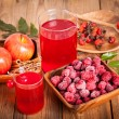 Raspberries and raspberry Cocktail in the wooden bowl — Stock Photo #49003921
