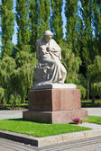 Soviet War Memorial (Treptower Park) Motherland statue. — Foto Stock