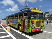 Bus in Oranjestad, Aruba — Stock Photo