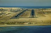 Bahrain Runway 30R/L 2009 — Stock Photo