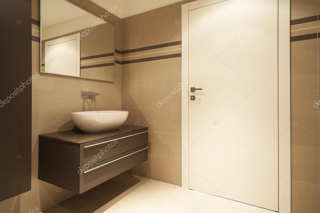 Modern appartement badkamer stockfoto zveiger 24021783 - Ventilazione forzata bagno ...