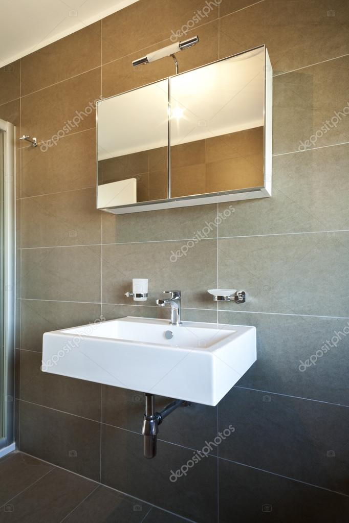 Apartamento novo interior, vazio, pia do banheiro — Fotografias de Stock © Zv # Pia Banheiro Apartamento