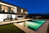 Modern villa by night — Stock Photo