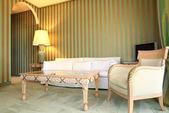 Wnętrze luksusowy apartament, komfortowy pokój classic — Zdjęcie stockowe