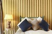 Interior luxury apartment, comfortable bedroom — Foto de Stock