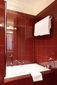 Interior luxury apartment, bathroom — Stock Photo