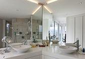 Beautiful bathroom — Stock Photo
