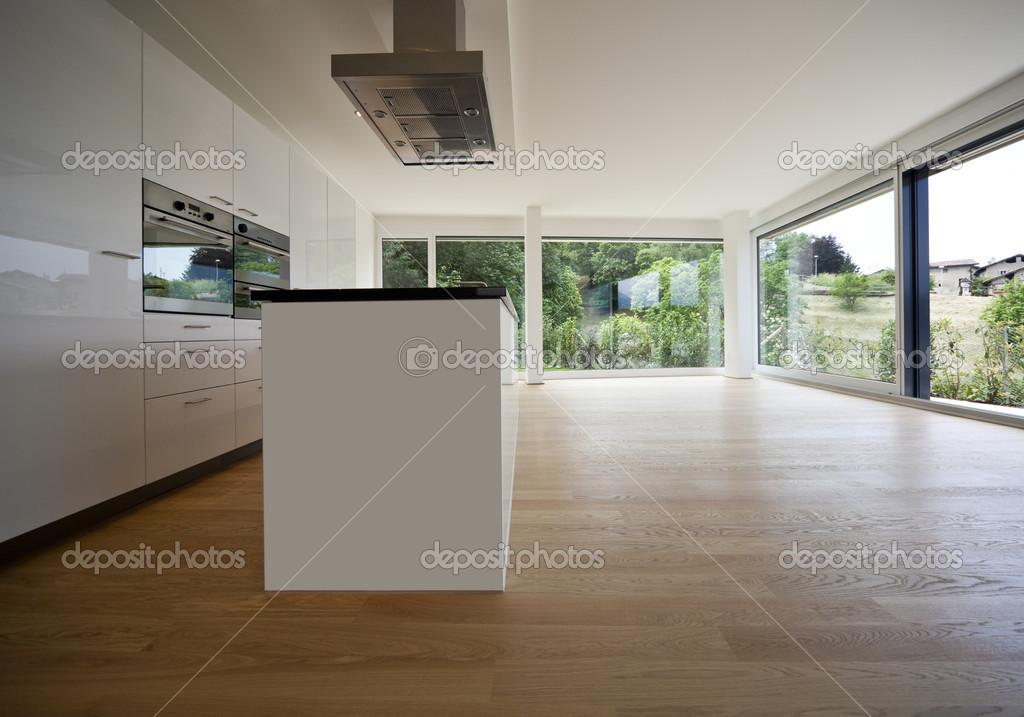 Mooi interieur van een modern huis — Stockfoto © Zveiger #30681243