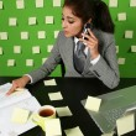 Businesswoman talking to cellphone — Stock Photo #30908617