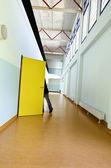 Public school, long corridor — Stock Photo