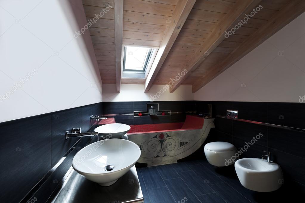 Bagno con due lavandini — Foto Stock © Zveiger #34824193