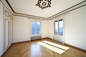 Refitted lovely apartment, empty room — Stockfoto