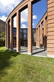 Moderne bakstenen huis — Stockfoto