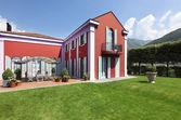 Modern villa — Stockfoto