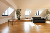 Loft, hardwood floor — Stockfoto