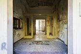 Entry, abandoned building — Stockfoto