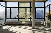 Stanza vuota con finestra — Foto Stock