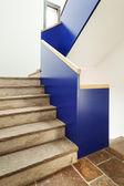 Современные каменные лестницы — Стоковое фото