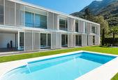 Modern villa with pool — Stock Photo