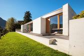 Modern villa — Stock Photo
