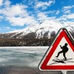 Mountain landscape, lake frozen — Stock Photo #49848585