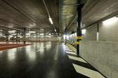 Nowy parking podziemny — Zdjęcie stockowe