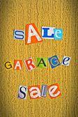 Anuncio de una venta de garaje — Foto de Stock