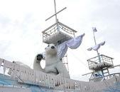 Polar bear decoration in a big ship — Stock Photo