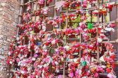 Locks of love near house of Juliet — Stock Photo