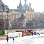 Budapest iceskating — Stock Photo