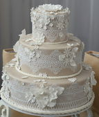 Beige wedding cake — Stock Photo