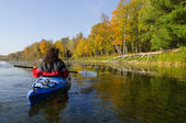 Kayaking on the Lake in Autumn — Stock Photo