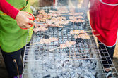Grilla gris på pinnar är thailändsk mat — Stockfoto