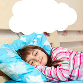 Mädchen im bett schlafen — Stockfoto