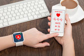 Touch phone and smart watch with mobile app health sensor — Stock Photo