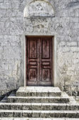 Wooden door in the temple — Stock Photo