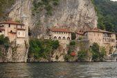 Lago maggiore, santa caterina del sasso, italien — Stockfoto