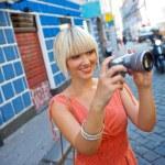 femme avec caméra — Photo