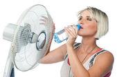 Vrouw dranken water — Stockfoto