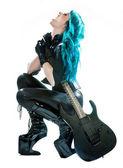 Kobieta heavy metal z gitara elektryczna — Zdjęcie stockowe