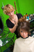 Making hair style — Stock Photo