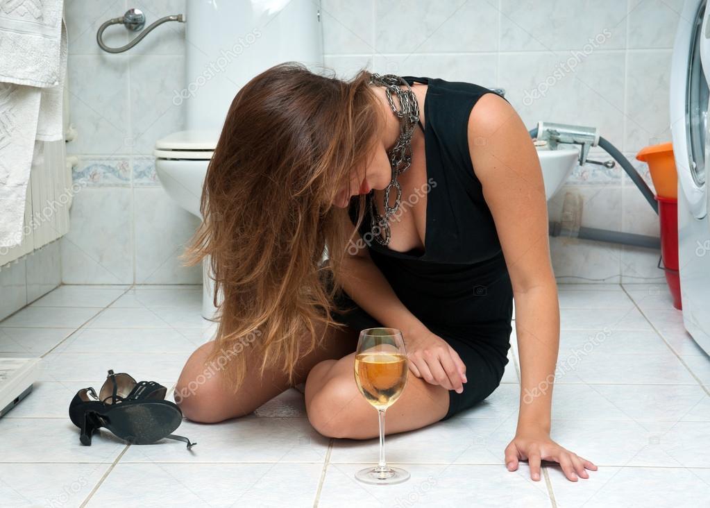 photos of girls vomiting № 9091