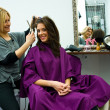 Hair stylist at work — Stockfoto